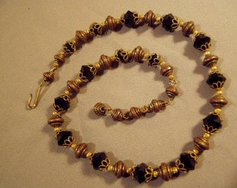 Vintage 1930s Antique Gold Brass Filigree & Faceted Black Glass Bead Necklace  8122