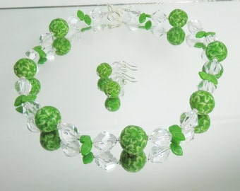 Spring Green Flower and Czech Glass Necklace with Earrings