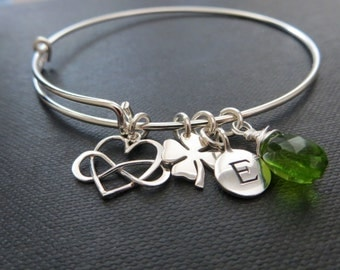 Gift for her, infinity initial bangle with shamrock, sterling silver expandable bracelet, mom, grandmother, mother of the bride