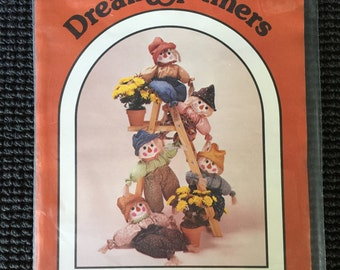 "DreamSpinners Scarecrow Sewing Pattern 32"" Tall Halloween Fall Autumn UNCUT"