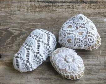 Natural Wedding Favors, Inspiratonal Wedding Decor, Romantic Decor, Door stop, Shabby chic wedding, Crochet Lace Stones.