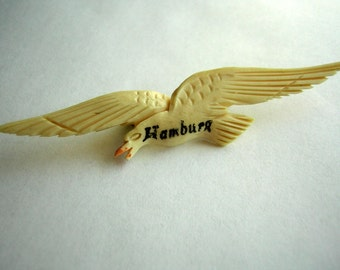 Vintage Carved Bird Pin Brooch HAMBURG - Old Souvenir CLEARANCE