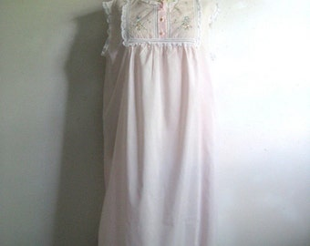 Vintage 1970s Night Gown Pink Floral Lace Embroidered Night Dress Large