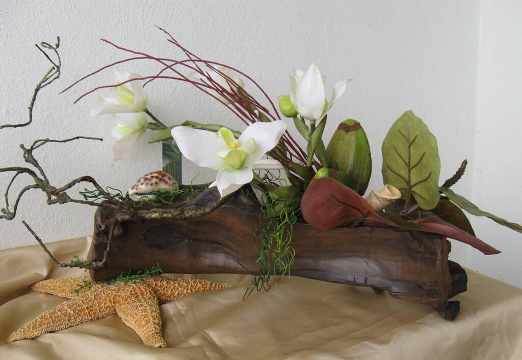 White orchids coastal silk floral arrangement sea shells - Petite composition florale pour table ...