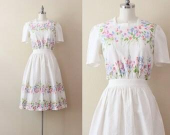 1950s Floral Dress . Button Back Dress . Floral Shirtdress