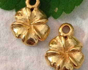 Vermeil Flower Charms   - 2 Small Sweet Golden Floral Charms - 10.6mm Perfect Earring Dangles - Great Wedding Charms C236