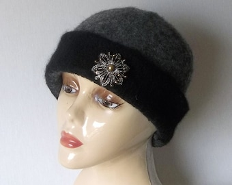 Felted Wool Cloche Hat in Black and Grey, 1920's Flapper Hat,  Handmade Retro women's Winter Hat with or Withoug Pin