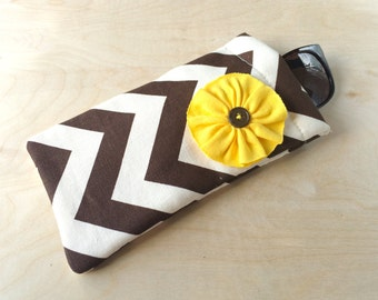 Pinch top fabric sunglasses or eyeglasses case pouch - Brown Chevron