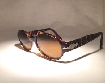 Persol Sunglasses 2526