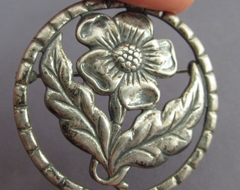 Vintage Sterling Silver Danecraft Repousse Flower Circle Pin, Brooch, Lapel Pin, Shawl Pin, Dress pin