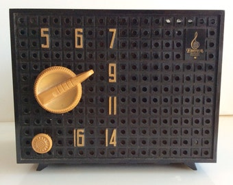 1940s Emerson BAKELITE AM Radio -- Works