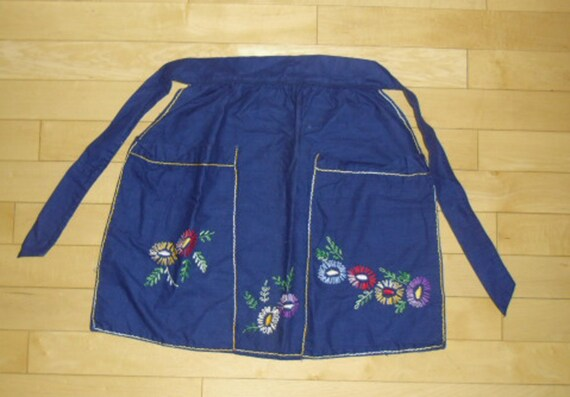 Vintage Apron - Cobalt Blue Half Apron, Embroidered Flower Apron, Kitchen Apron, Large Pockets, Hostess Apron