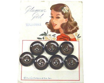 7 Matching Vintage 1940s Shirt Buttons