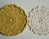Large ornate acanthus leaf medallion for cake decorating and cupcake decorating M5008
