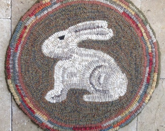 "Rug Hooking PATTERN, Woodland Bunny Chair Pad or Table Mat, 14"" Round, J762"