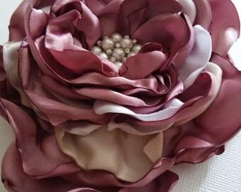 Wedding hair flower in mauve and champagne, Bridal hair accessory, Fabric flower hair pin, Flower brooch, Bridesmaid hair flower
