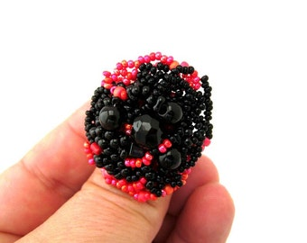 Beaded ring, cocktail ring, statement ring, beaded jewelry, black and red, adjustable ring, seed bead jewelry, freeform ring