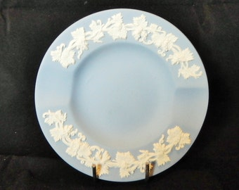 White on Blue Jasperware small Wedgwood ashtray with grapevine design, Made in England, Trinket dish