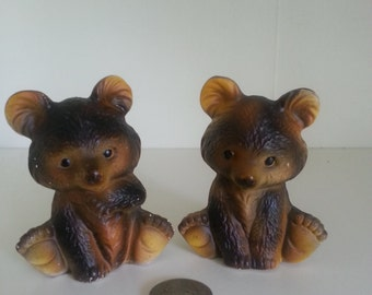 Vintage Adorable tiny bear salt and pepper shakers