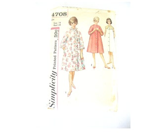 High Neck Robe Dressing Gown Pattern 1960s Size Small
