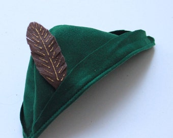 Robin hood Hat - Felt Pixie Hat - Peter Pan Hat - Green Peter Pan Hat - Hat with a feather - Robin Hood Hat - Green Beret