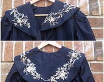 Antique late 1800s 1890s Black Taffeta Jacket with Flower Embroidery / Women's Small  / Victorian Coat Steampunk Gothic