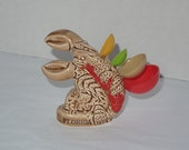 vintage lobster measuring spoon holder set / Florida souvenir / kitsch kitchen decor / figural collectable housewares display