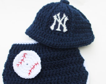 New York Yanees inspired cap and diaper SET Size newborn to two months Crochet