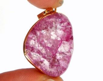 Pink Crackle Crystal Quartz Pendant Charm with 24k Gold Electroplated Band (S83B2-02)