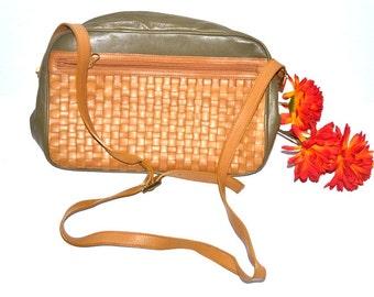 Vintage Lisette 70s leather purse green light brown weaved purse crossbody shoulder bag
