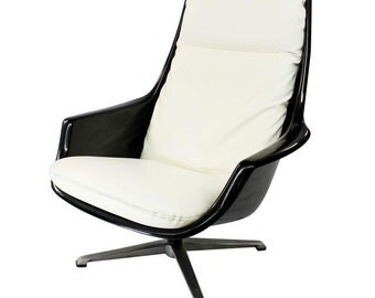 SALE Mid Century Modern, vintage Resin / Plastic lounge chair