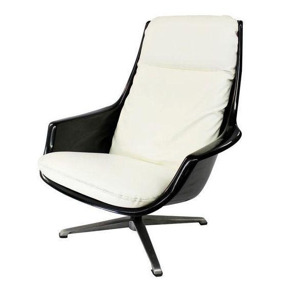 SALE Mid Century Modern vintage Resin Plastic lounge chair