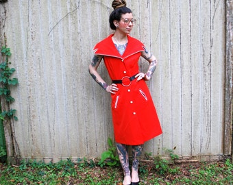 Mid Century Modern Mod Vintage Oversized Collar Red and White dress M with pockets