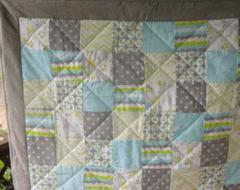 Baby Quilt.   Modern Patchwork Flannel Baby Quilt, with Giraffes, Little Birdies and soft Colors, Turquoise, Lime Green, White and Grey.