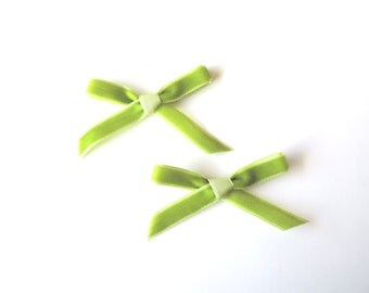Daphne Petite bow clips - Set of 2 Green Apple - dainty and Dapper