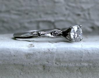Beautiful Vintage Art Deco Platinum Diamond Engagement Ring - 0.54ct.