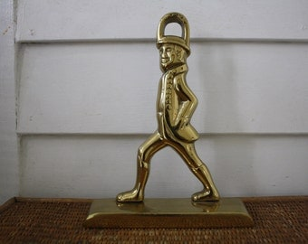 Vintage brass soldier doorstop, bookend, Virginia Metalcrafters, Hessian soldier, made in Amerca