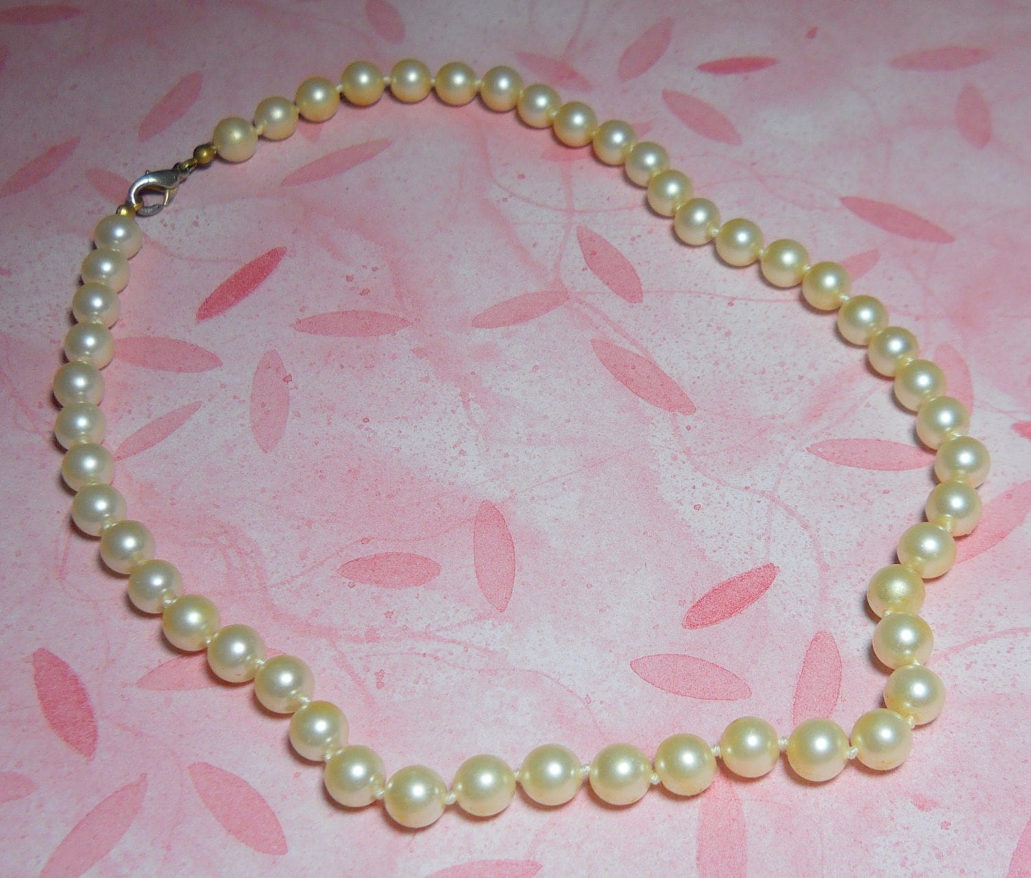 a string of pearls necklace jewelry set a vintage pearl