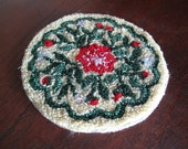 Miniature Dollhouse Rug, Round, Floral. Red, Green, Pale Yellow, 5 inch Diameter, Flowers