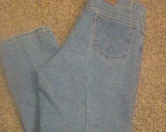 "vintage LEVI""s 540  jeans size 40 X 30 mens/womens zipper fly levi's light wash relaxed fit"