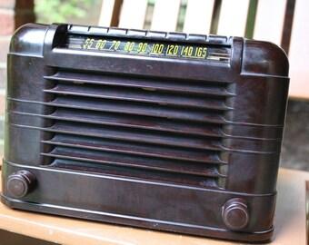 1946 Regal AM radio