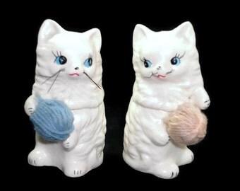 Enesco Knittin' Kittens Vintage Cat Salt and Pepper Shakers E5863