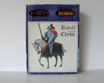 Vintage 70's Staunton Royal Chess Set, Dynamic Design, Hardwood Pieces,original box, collectible toy, gift idea