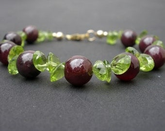 Natural Gemstone Peridot Faceted 8x6mm Ovals - Garnet Gemstone Round 8mm Beads - 14kt Yellow Gold Filled Bracelet