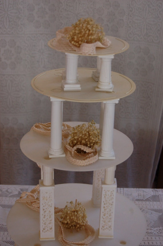 vintage wedding cake tower be a cake boss wilton cake decorating supplies wedding cake stand. Black Bedroom Furniture Sets. Home Design Ideas