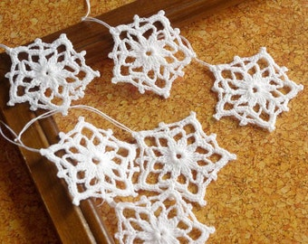 Crochet snowflake Star ornament crochet Hanging ornaments Christmas decorations White snowflakes Christmas gifts Small snowflake