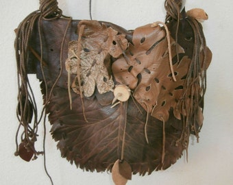 Leather and leaf Purse