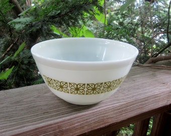 pyrex square flower verde green and white mixing bowl