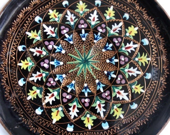 Copper spirograph! Wall hanging plate, vintage eyecandy, hand painted, etched, black enamel, home decor, flowers, floral, metal, folk art