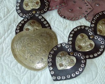 Vtg 60's 70's S//XL Moroccan Boho hippie engraved Silver tone conchos wide heart shaped buckle dark chocolate studded leather belt